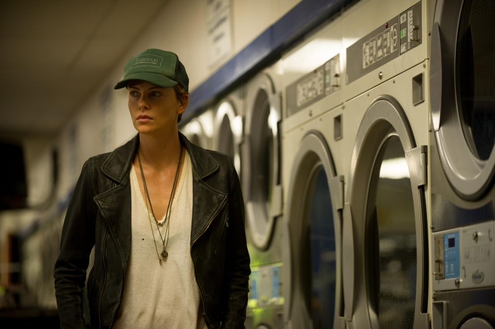 still-of-charlize-theron-in-dark-places-(2015)-large-picture
